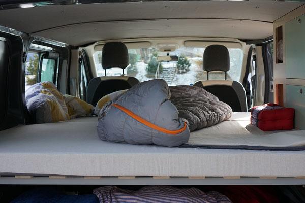 Das gemütliche Campingbus Bett