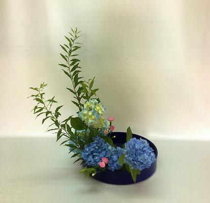 <雪柳 紫陽花 撫子> Kazukoさんの作品です。