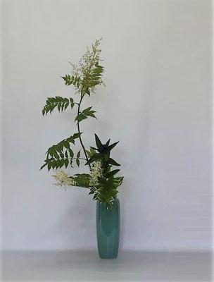 <珍至梅(チンシバイ) 竜胆(リンドウ) 鳴子百合> Kumikoさんの作品です。