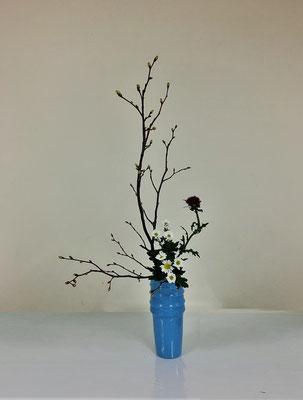 2020.4.1 <シナノキ 薊(アザミ) 小菊> Hirokoさんの作品です。