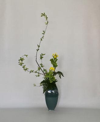 <コデマリ 菜の花 レザーファン> Kumikoさんの作品です。