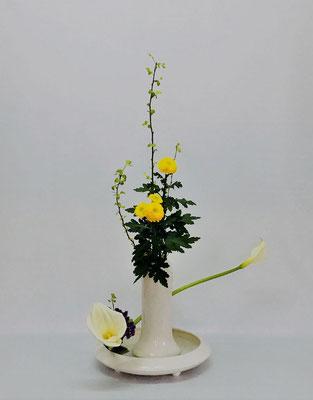 3/13<金葉こでまり カラー 小菊 スターチス> Tamikoさんの作品です。