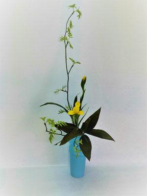 <芽出しななかまど ダッチアイリス 赤ドラセナ> Kumikoさんの作品です。