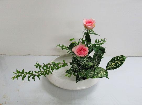 2020.9.2 <雪柳 薔薇(バラ) ゴッドセフィアナ> Katsurakoさんの作品です。
