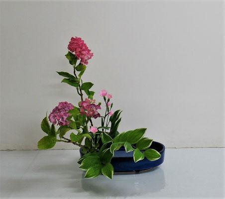 2020.7.8 <紫陽花(アジサイ) 撫子(ナデシコ) 鳴子百合(ナルコユリ)> Katsurakoさんの作品です。