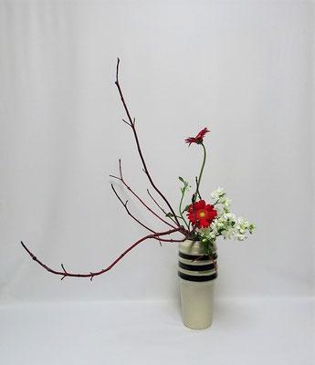 2020.12.12 <珊瑚水木 ガーベラ スプレーストック> Kayoさんの作品です。