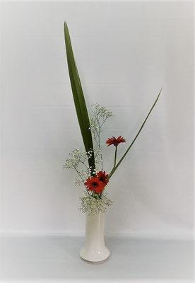 10/17 <ニューサイラン ガーベラ かすみ草> Tamikoさんの作品です。