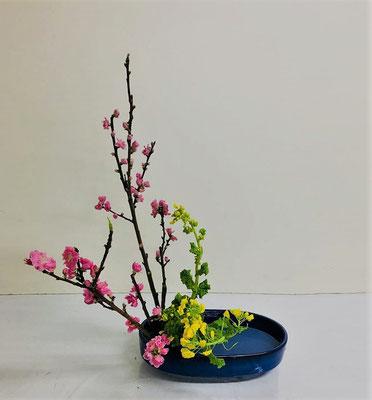 <桃 菜の花> Miyuさんの作品です。