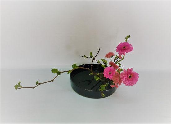 <木苺 ガーベラ スターチス> Kazukoさんの作品です。