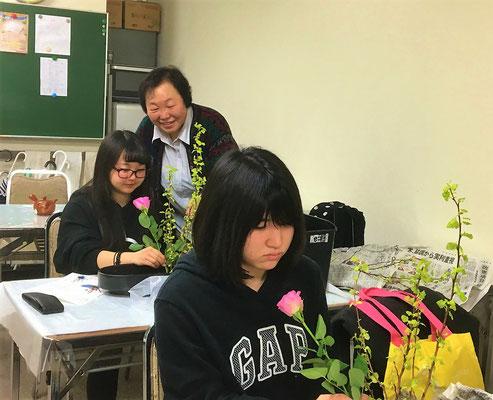 札幌駅前教室でのお稽古風景です。