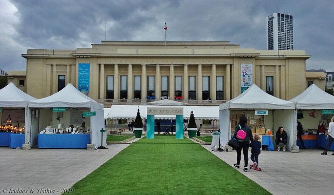 Puteaux - 5.2019 :   La mairie de Puteaux.  /  Puteaux City Hall.