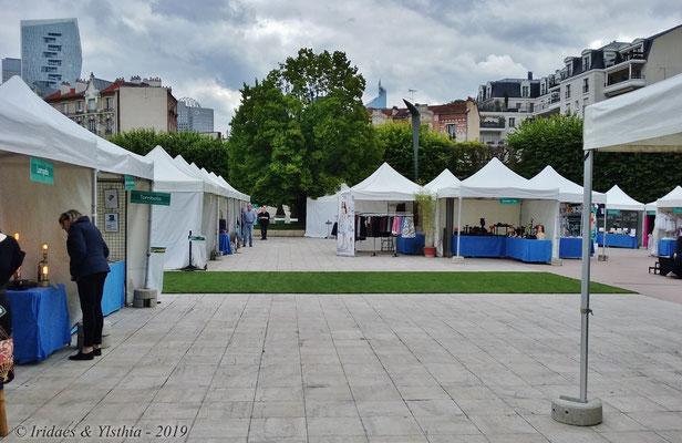 Puteaux - 5.2019 :   Une vue du Salon des Créateurs.  /  A view of the arts and crafts fair.