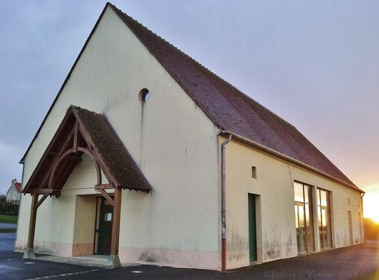 La salle des fêtes (alias Grange Bellevue) / The town hall (a.k.a Grange Bellevue)    (Cocherel 3.2019)