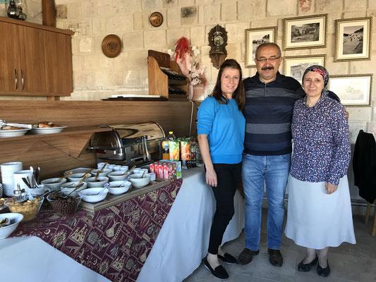 Yelis, Ataçan & Ayşe vom Magic Cave Hotel in Mustafapaşa