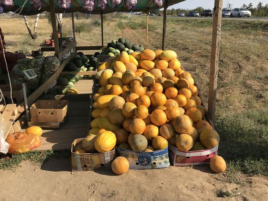 Melonen am Stand armenischer (!) Straßenhändler