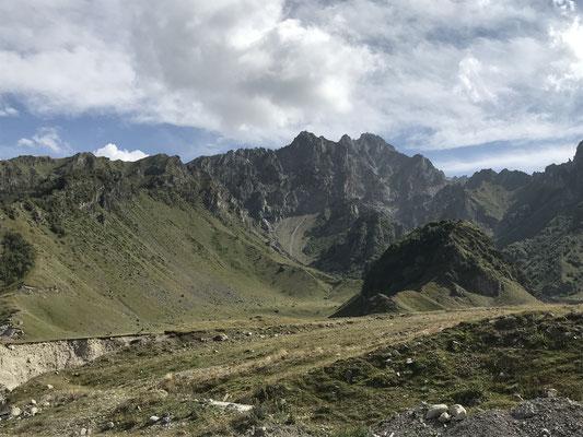 Kaukasus-Berge bei Mieta