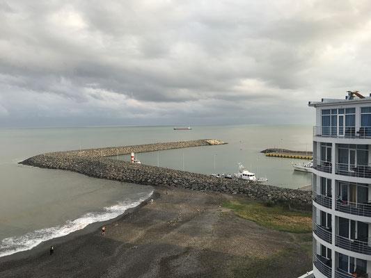 Sanpiro: Hotel mit Königsausblick / Batumi