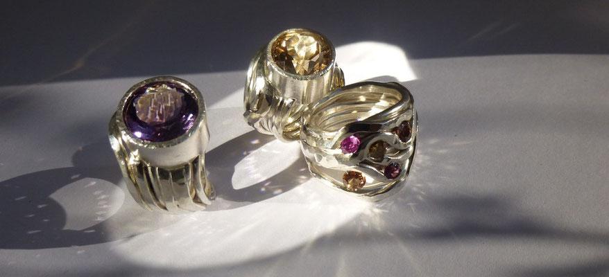 Ringe mit Amethyst, Rauchquarz und verschiedenen Turmalinen, Silber © Vivien Reig-Atmer