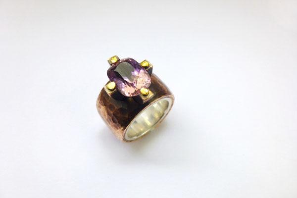 Ringe mit Ametrin, Bronze, Feingold, Silber © Vivien Reig-Atmer
