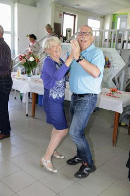 Le couple présidentiel mène la danse ...