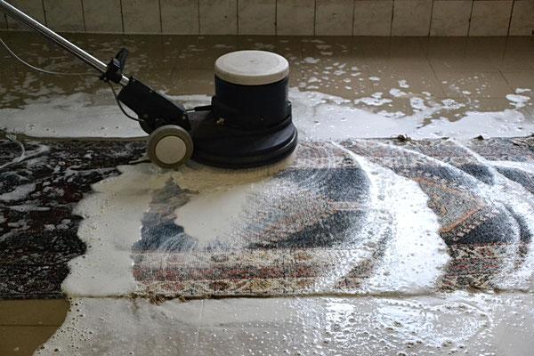 arten der reinigung clean carpet. Black Bedroom Furniture Sets. Home Design Ideas