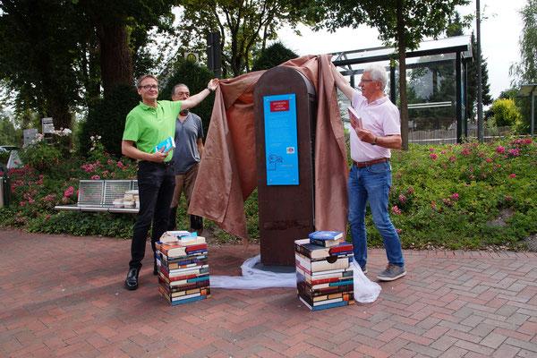 Dada: So sieht der neuen Bücherschrank auf dem Hüder Dorfplatz aus.