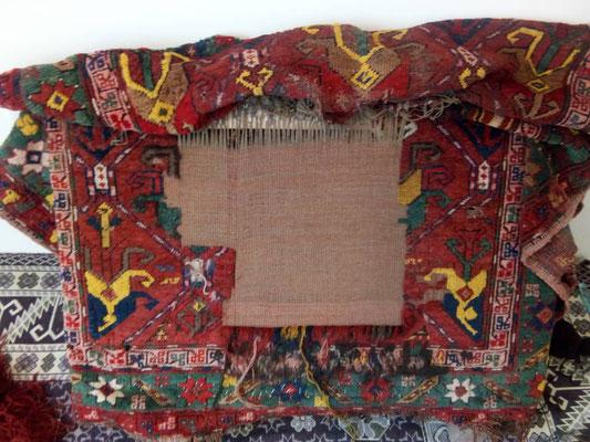 Restauro tappeto antico Udine, ricostruire trama e ordito tappeto antico per ri annodare disegno come originale