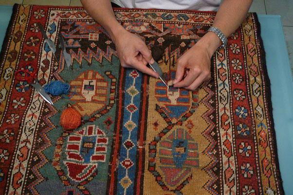 Riparazione tappeti pregiati Udine,  tappeti udine tabriz carpet, restauro tappeti antichi Caucasici udine