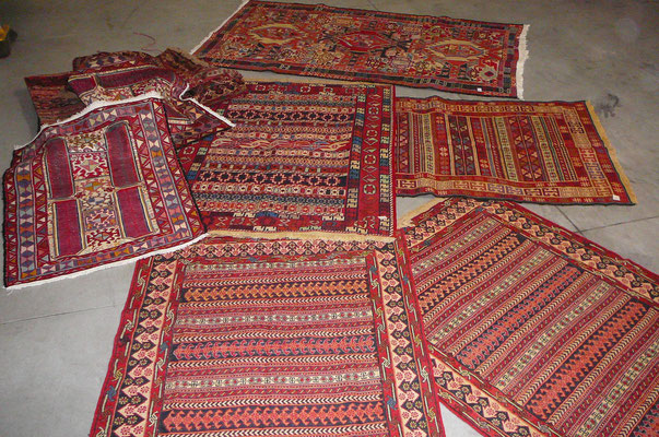 negozio tappeti Udine, tappeto sumak caucasico o persiano versione di verneh, ricamato tutto su telaio con lana o lana misto seta