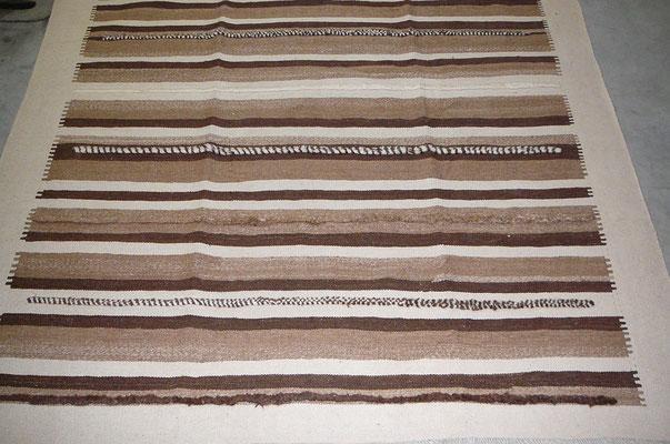 kilim moderno Udine, kilim moderno con colore naturale e lana naturale di pecore