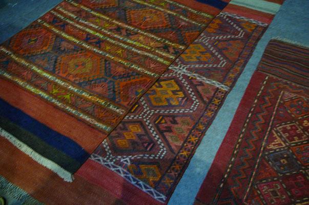 tabriz carpet tappeti trieste,sumak antichi come mafrash, sella di cavallo e kilim- tappeti opera d'arte