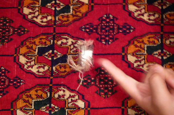 Tappeti Gorizia- prim da riparazione, buco in tappeto buchara russo- tappeti Udine
