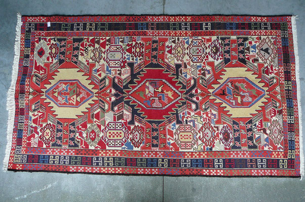 tappeti nomadi Udine-tabriz carpet-verneh disegni geometrici vari misura e disegni