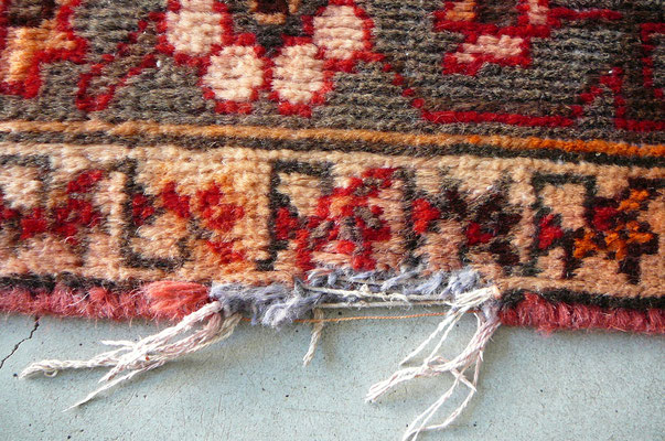 riparazione tappeti di lana, tappeto persiano vecchio shiraz rovinato- tabriz carpet tappeti persiani Udine-