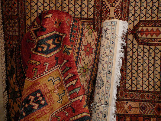 Portogruaro- Magazzino tappeti persiani e moderni, tappeti persiani e caucasici, kilim tappeti vari misura e dimensione nuovi vecchio e antico