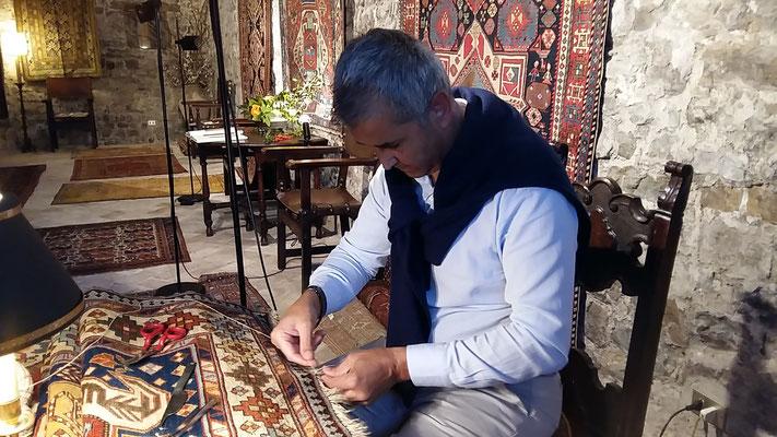 tappeti tabriz carpet udine, titolare esperto (sig. Javad) dirrettamento fa riparazione tappeti