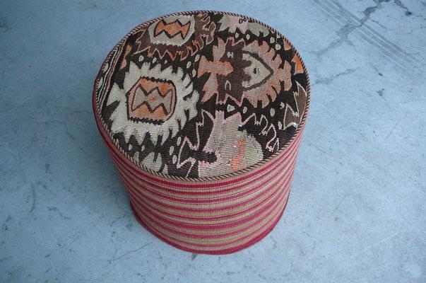 tabriz carpet, puff realizzato con kilim antichi e jajim