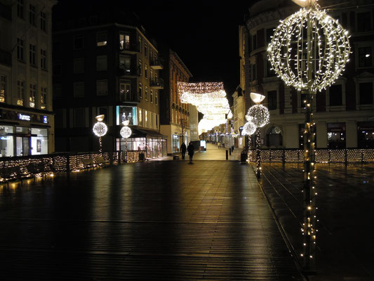 Lichterglanz in Aarhus' Fußgängermeile Strøget in der City. Foto: C. Schumann, 2019