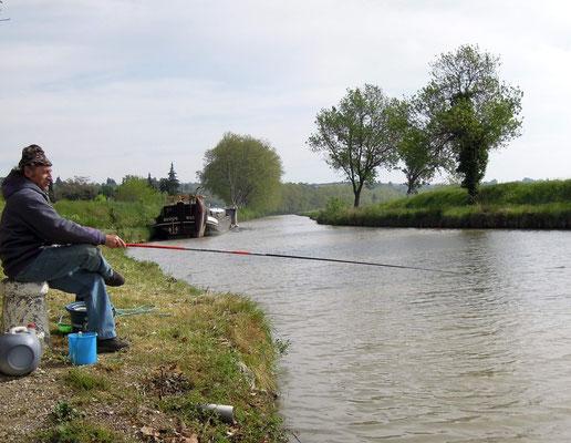 Angler am Canal du Midi