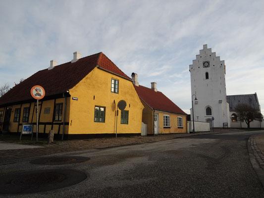 Mittelpunkt der Altstadt ist Sæby Kirke, die Marienkirche. Foto: C. Schumann, 2020
