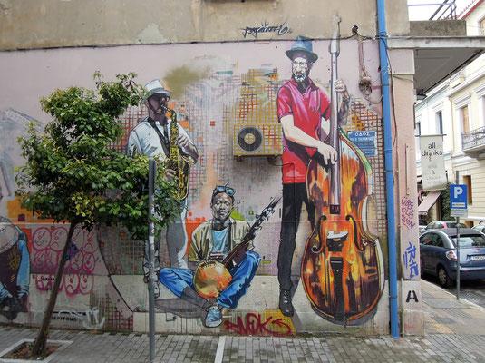Da ist Musik drin: Streetart im Viertel Kipseli. Foto: Christoph Schumann, 2020