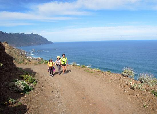 Weite pur: Beim Wandern an Teneriffas Küsten hat man das Meer immer im Blick