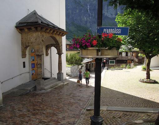 Altes Ortszentrum von Leukerbad mit dem Pfarrgässli. Foto: C. Schumann, 2016