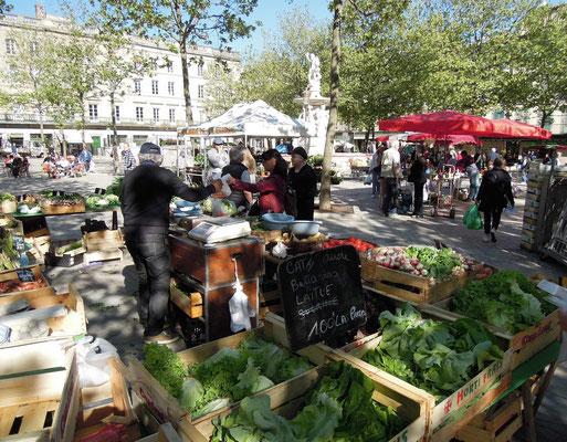Wochenmarkt auf dem Platz Carnot