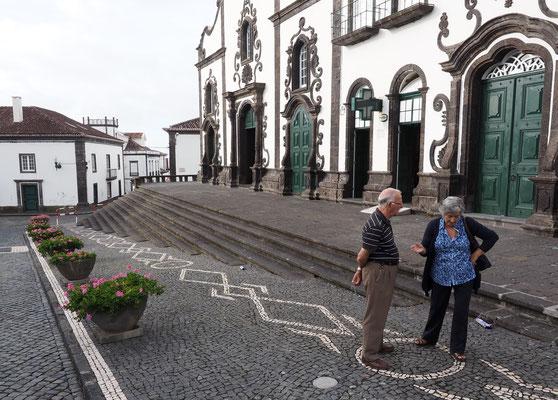 Auf dem Kirchplatz in Boa Vista. Foto: C. Schumann