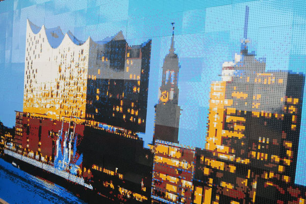 Die Elbphilharmonie als Lego-Mosaik. Foto: FMSH/PR
