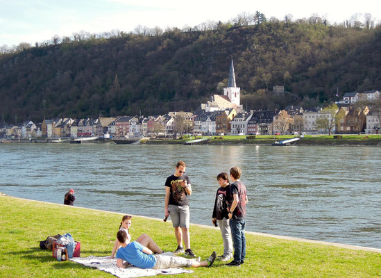 Abendstimmung am Rhein in St. Goarshausen. Foto: C. Schumann, 2017