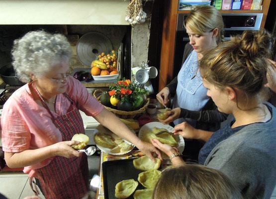 Die lokale Küche ist ein Mix aus indischen, afrikanischen und französischen Einflüssen. Foto: C. Schumann, 2016