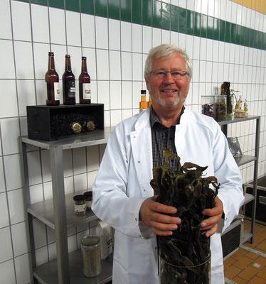 Firmengründer Bjarne Ottesen von Nordisk Tang mit Zuckertang. Foto: Christoph Schumann