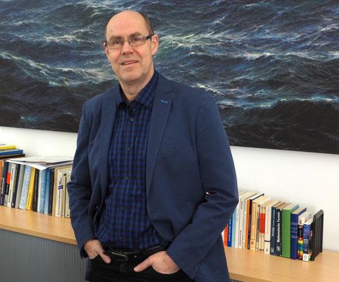 """""""Wettermacher"""": Dr. Thomas Bruns, der Leiter des DWD in Hamburg. Foto: C. Schumann, 2017"""